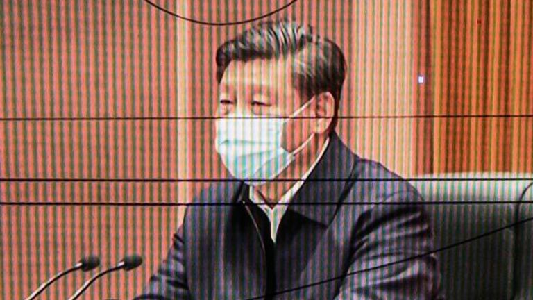 Xi Jinping wears a mask during his appearance in Wuhan
