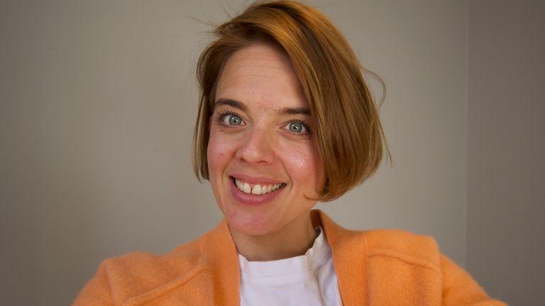 Annemarie Plas adalah pendiri gerakan #clapforourcarers