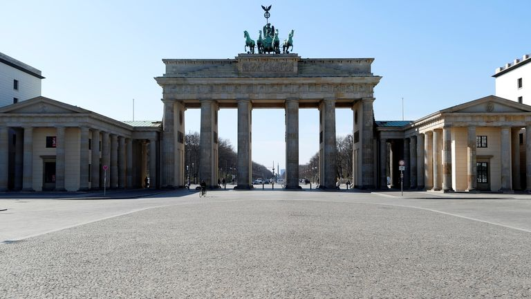 The empty Brandenburg Gate is pictured during the coronavirus disease (COVID-19) outbreak in Berlin, Germany, March 25, 2020. REUTERS/Fabrizio Bensch