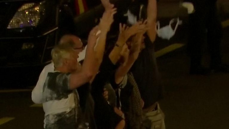Tourists celebrate end of quarantine in Tenerife