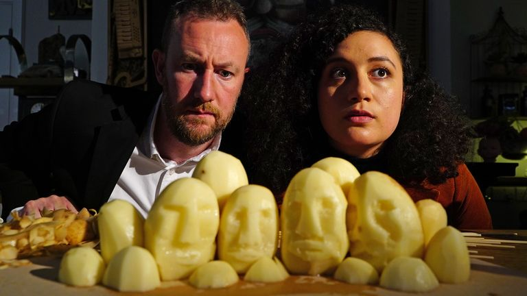Taskmaster - Series 9 - Episode 07.Picture shows: Alex Horne and Rose Matafeo.Rushmore Task: Forge the best Mount Rushmore. You have ten minutes to write your shopping list and 30 minutes to forge your Mount Rushmore Credit: Andy Devonshire