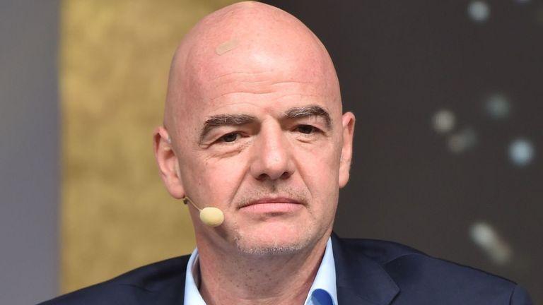 'Irresponsible to resume football too soon'