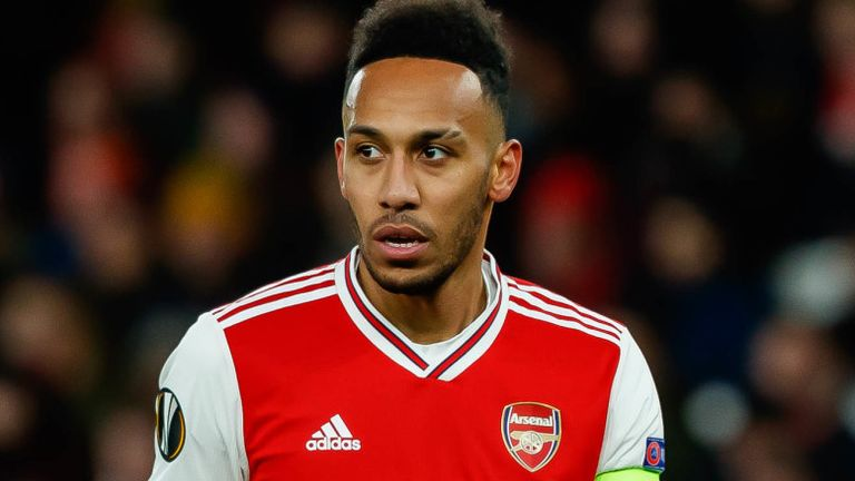 Charlie Nicholas says Arsenal must make a quick decision on the future of Pierre-Emerick Aubameyang to avoid losing him on a free transfer.