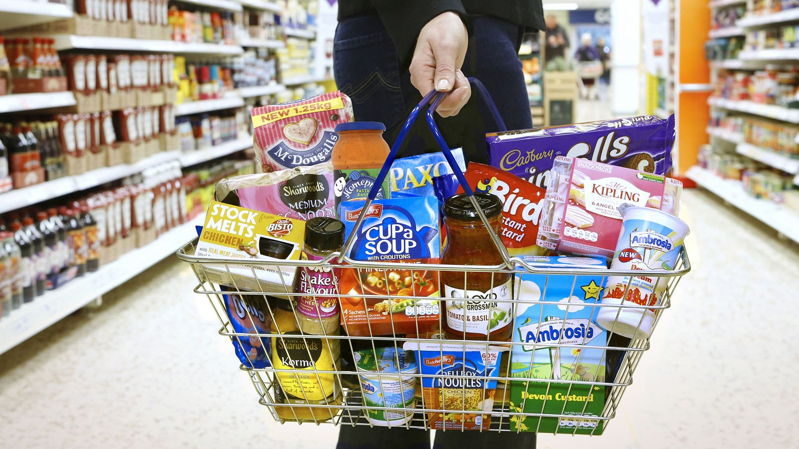Government should subsidise healthy food to help millions of people lose weight - report