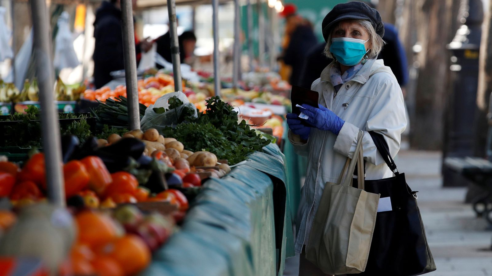 Coronavirus: France and Germany count economic cost of crisis