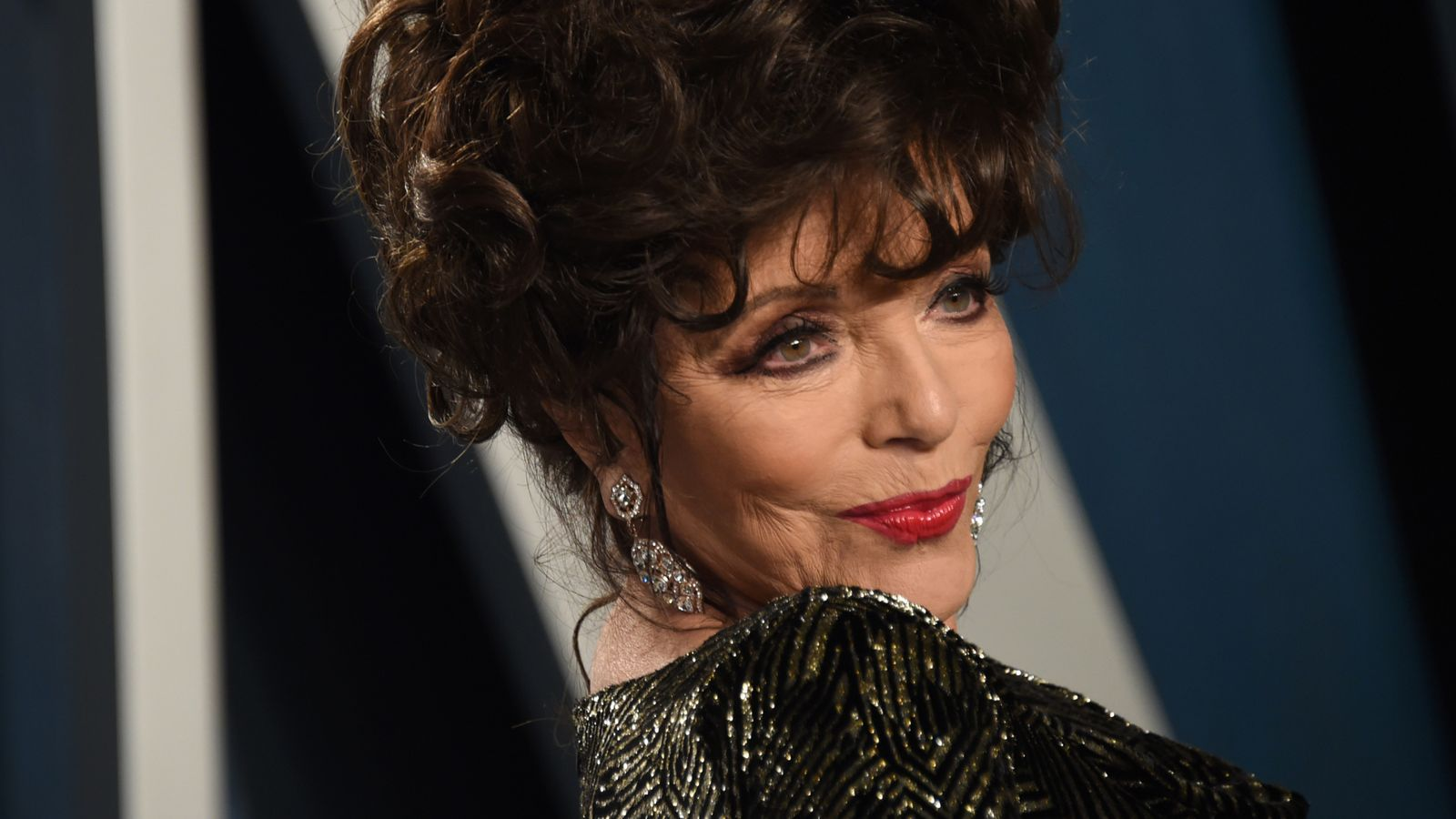 Coronavirus: Fancy lunch with Dame Joan Collins? Take part in auction to help NHS