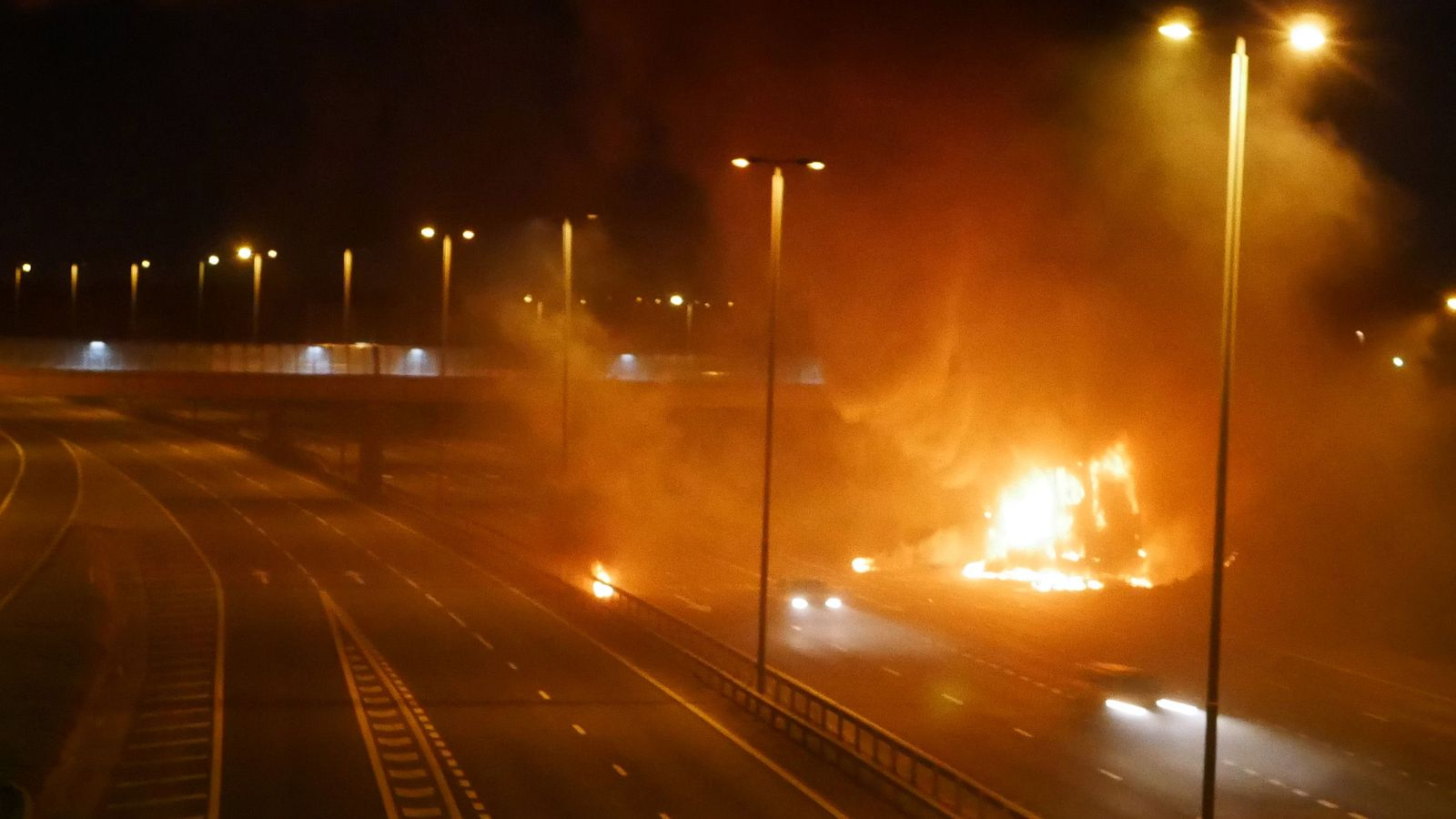 M62 in West Yorkshire closed after 'explosions' from lorry going up in flames