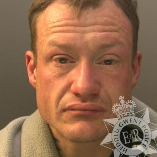 Man jailed for assaulting doctor outside A&E