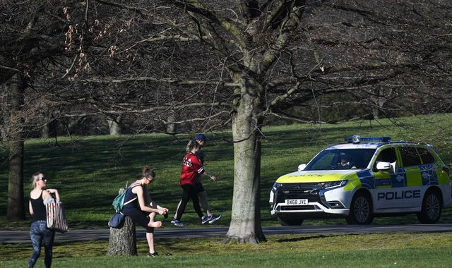 Coronavirus: Councils told to only shut parks in 'extreme cases'