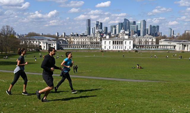 Coronavirus: Public warned of outdoor exercise ban but no 'imminent' lockdown change