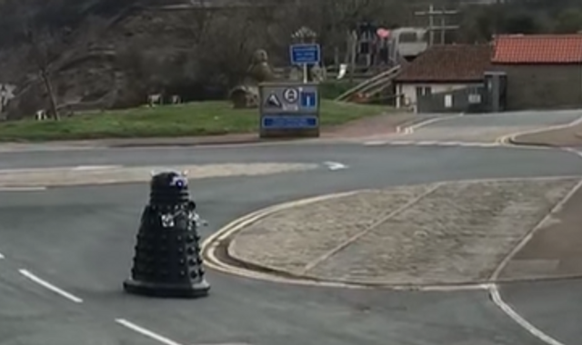 Coronavirus: Dalek patrols streets ordering humans to 'self-isolate'