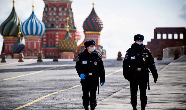 Coronavirus: Wealthy Russians 'hoarding ventilators as country faces shortages'