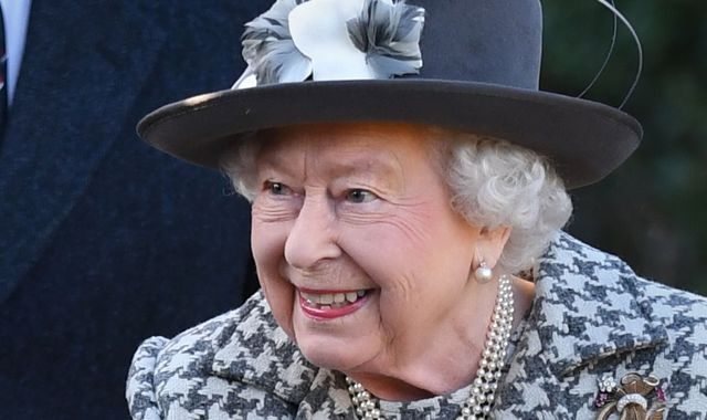 Coronavirus: Queen thanks healthcare workers for 'selfless dedication' in 'testing times'