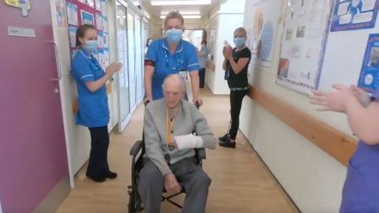 Second World War veteran Albert Chambers has recovered from COVID-19. Pic: NHS North East and Yorkshire