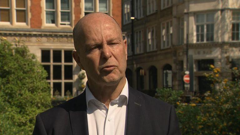 Dr Colin Hamilton-Davies from Bundock's VT