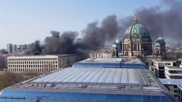 Berlin Palace fire sends smoke billowing skyward