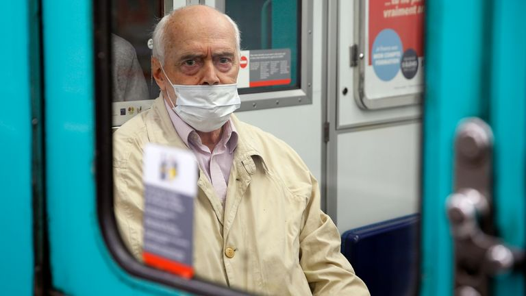 The wearing of masks on public transport will be compulsory once lockdown measures are relaxed