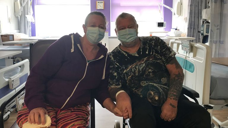 Husband and wife Harold and Christine Thomson were both treated for COVID-19