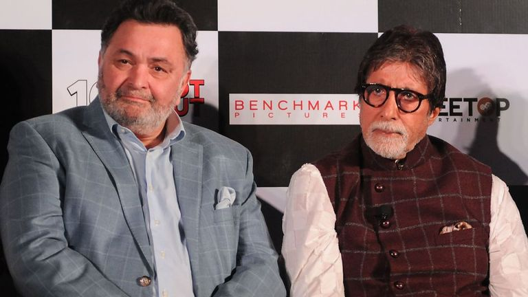 Kapoor (L) and Amitabh Bachchan promoting a film in 2018