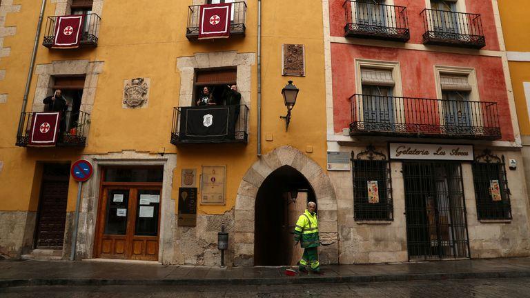 Coronavirus disease (COVID-19) outbreak in Cuenca