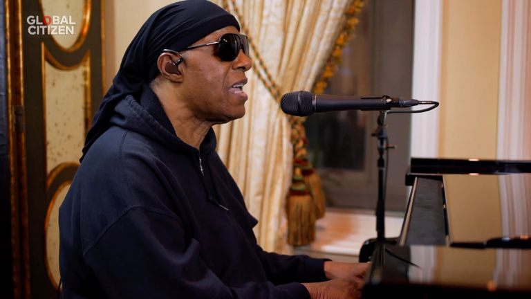 Stevie Wonder performed in the concert and paid tribute to his friend, the late Bill Withers