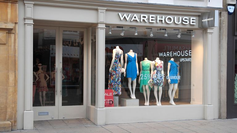 CYW71R Warehouse women's fashion shop in Cheltenham, Gloucestershire, England.