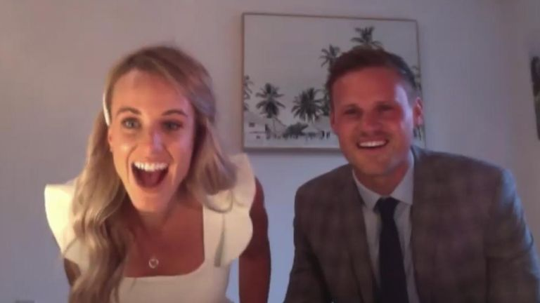 One nurse and her fiancé were stunned after singer Ellie Goulding made a surprise appearance during their online wedding