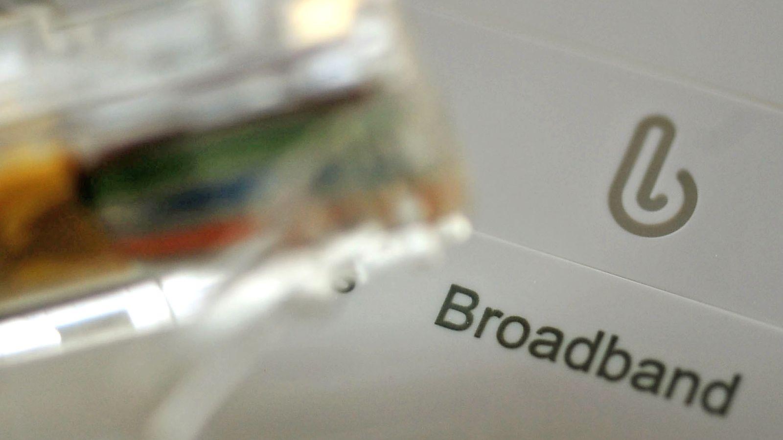 University lecturers' pension scheme USS plots broadband bid   Business News