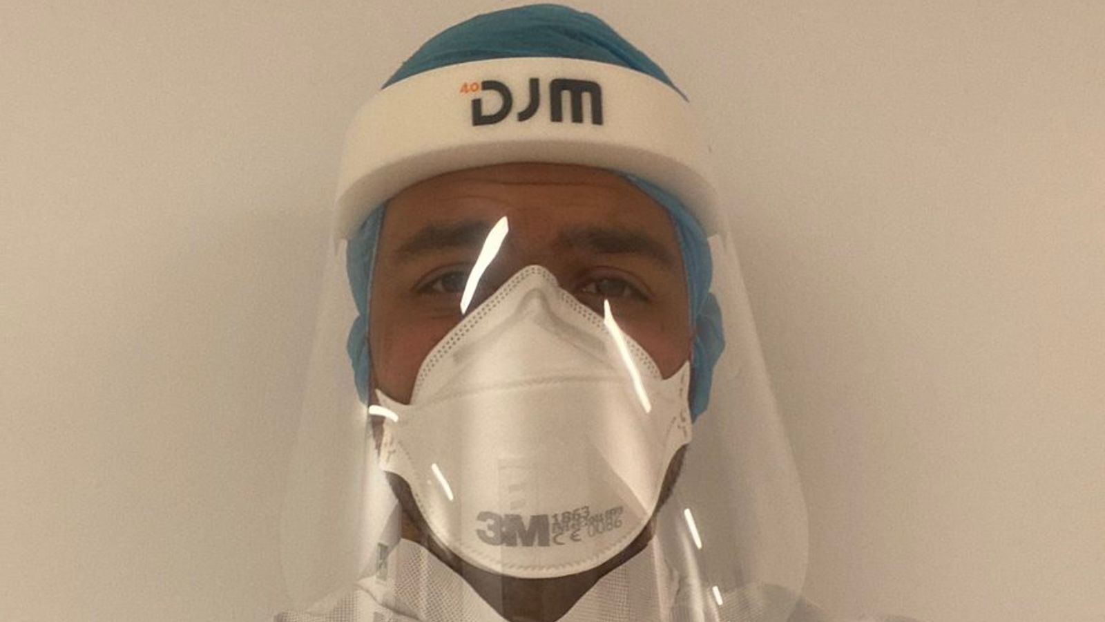 Coronavirus: NHS doctor threatens to resign if Dominic Cummings does not