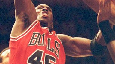 NBA Retro: MJ 's 'Double Nickel' mini movie