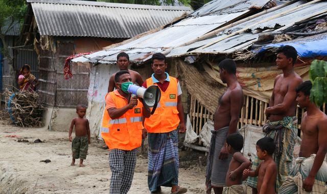Super cyclone Amphan: India and Bangladesh brace for 98mph winds amid coronavirus pandemic