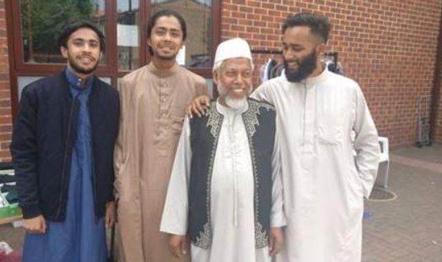 Coronavirus: Muslims prepare to celebrate Eid al Fitr under shadow of COVID-19 pandemic