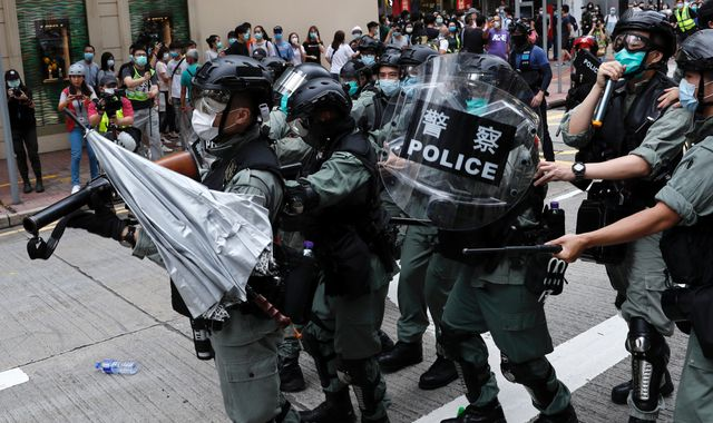 Hong Kong: Violent clashes feared as China approves controversial bill