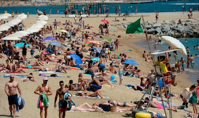 Coronavirus: Spain to welcome tourists from 1 July with no quarantine