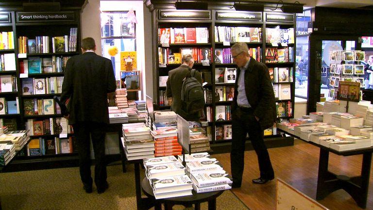 Waterstones has reported a 400% increase in online book sales week-on-week in lockdown