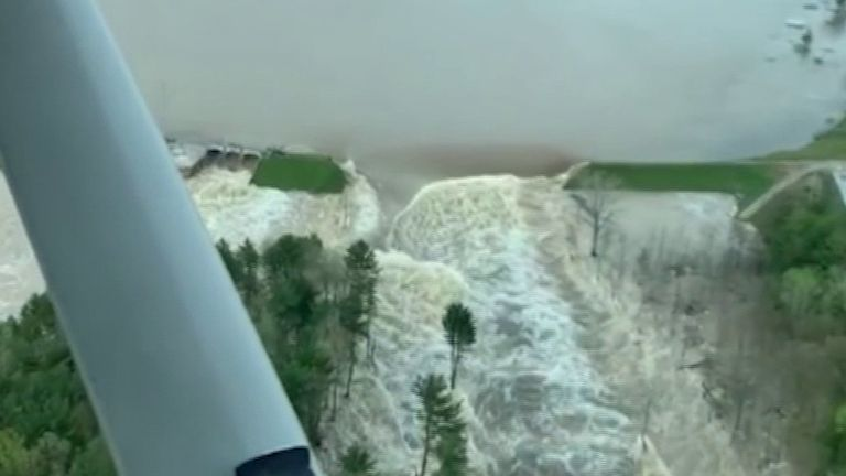 Edenville Dam bursts in Michigan after heavy rainfall