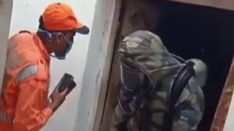 Emergency rosponders attend scene of chemical gas leak in India