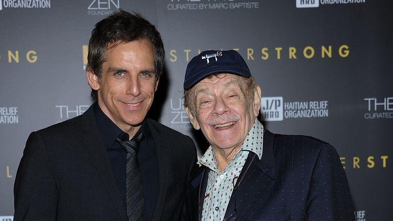 2011 yılında oğlu Ben ile Jerry Stiller (sağda)