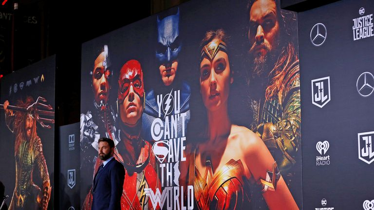 FILE PHOTO: World Premiere of Warner Bros. Pictures... Justice League ... Arrivals ... Los Angeles, California, U.S., 13/11/2017 - Actor Ben Affleck. REUTERS/Mario Anzuoni/File Photo