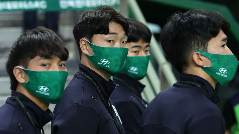 K League officers and substitutes had to wear face masks