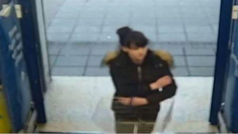 CCTV image of Louise Smith entering a Tesco Metro