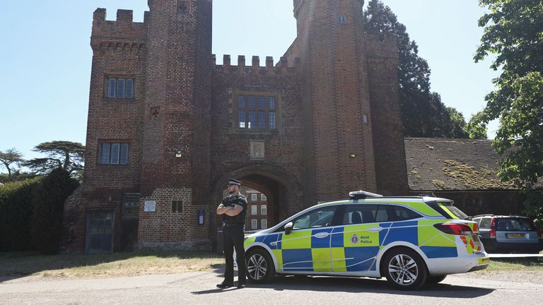 The incident happened around the lake by Lullingstone Castle in Kent