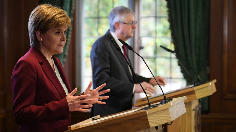 The Scottish and Welsh first ministers have criticised the new 'stay alert' message