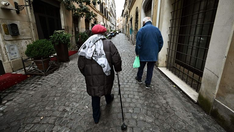 Older people in Italy