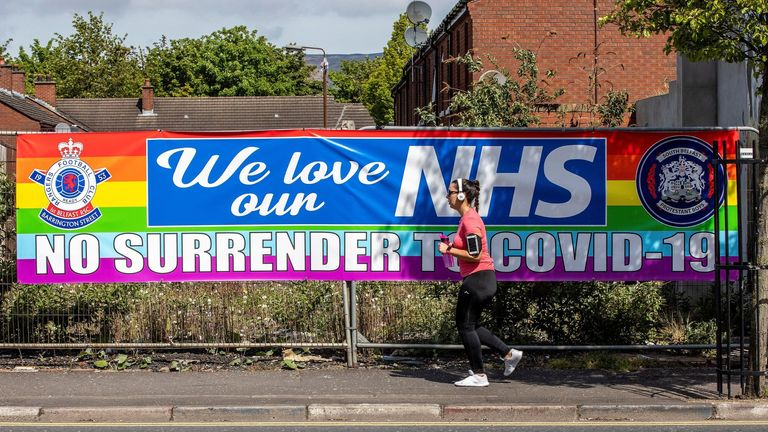 Praise in Belfast for NHS workers