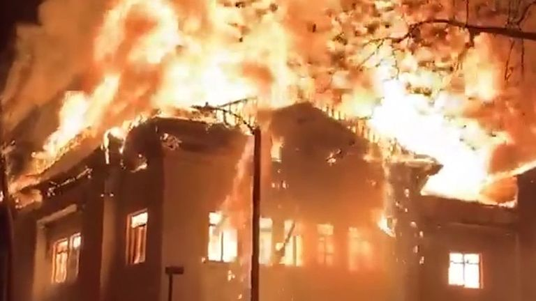 Blaze destroys landmark church building in California