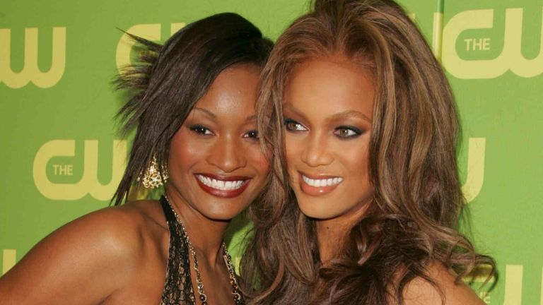 America's Next Top Model winner Dani Evans and host Tyra Banks in 2006