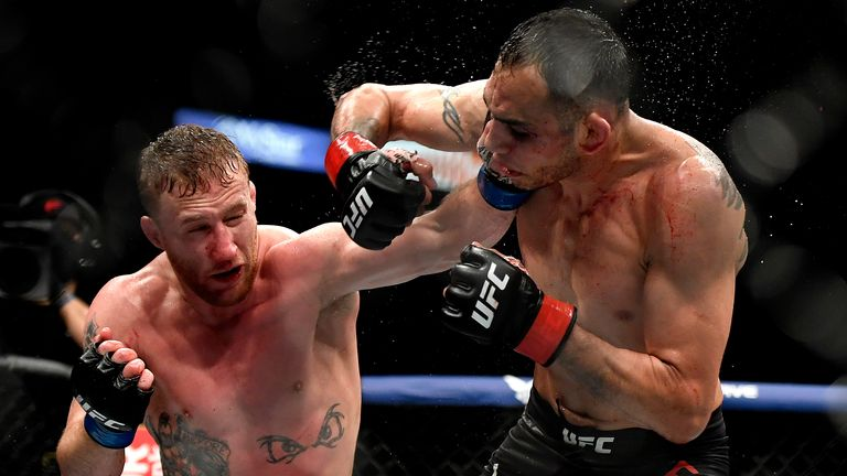 Justin Gaethje (L) during his Interim lightweight title fight with Tony Ferguson