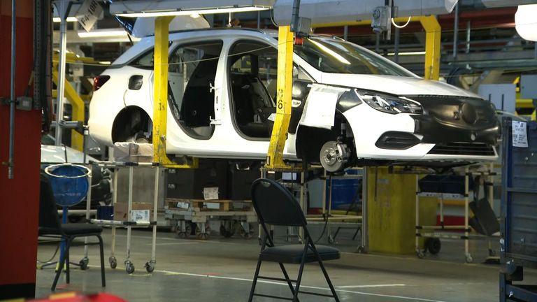 Vauxhall Ellesmere Port car production suspended