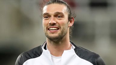 Newcastle in contract talks with Carroll